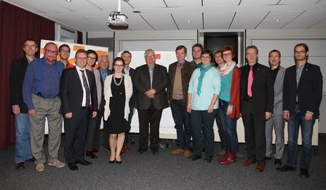 -Mitglieder des Gesundheitsforums bei der konstituierenden Sitzung am 10.11.2015. Foto: Landkreis Regen, Dr. Carolin Müller