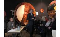 -Professor Johannes Klühspies informierte die rund 120 Zuhörer über die Inhalte des Gutachtens. Foto: Landratsamt/Langer