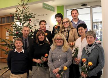 -Die Geehrten mit Schulrat Mark Bauer-Opree und Personalratsvorsitzenden Josef Wellisch. Foto: Langer/Landkreis Regen