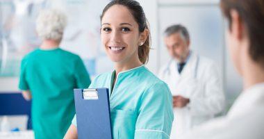 Aus der Klinik in die eigene Praxis, ein Seminarangebot der Gesundheitsregion plus Arberland kann hier helfen. Foto: Adobe Stock © stokkete