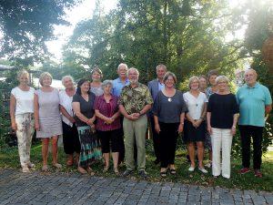 Die Sprachpaten mit Landrätin Rita Röhrl (2.v.re.) und Doris Werner (li.) aus dem Bürgerbüro. Foto: Bürgerbüro Landkreis Regen