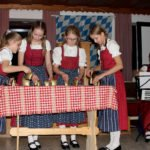 Die Glöcklergruppe zeigte ihr Können. Foto: Langer/Landkreis Regen