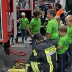 Technik, die den Nachwuchs begeistert, das zeigte die Freiwillige Feuerwehr Kollnburg. Foto: Langer/Landkreis Regen