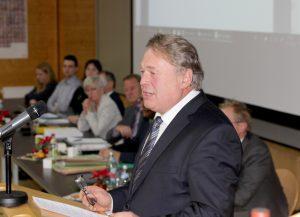 Staatsminister Helmut Brunner bei seiner Ansprache. Foto: Langer/Landkreis Regen