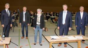 Landrätin Rita Röhrl mit ihren Stellvertretern (v.li.): Dr. Ronny Raith, Hermann Brandl, Helmut Plenk und Werner Rankl. Foto: Langer/Landkreis Regen
