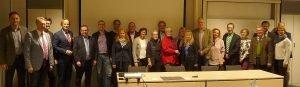 Unser Bild zeigt Referenten und Teilnehmer des ersten runden Tisches. Foto: König/Arberland REGio