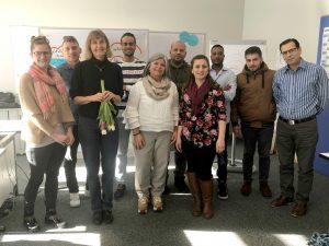Unser Bild zeigt die Teilnehmergruppe der engagierten Ehrenamtlichen mit Kristina Beckermann und Dr. Sylvia Schroll-Machl Foto: Probst/Landkreis Regen