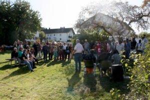 Auch der Integrationslotse Jürgen Probst begrüßte die Gäste. Foto: Langer/Landkreis Regen